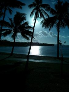 airlie beach sunset moonlight