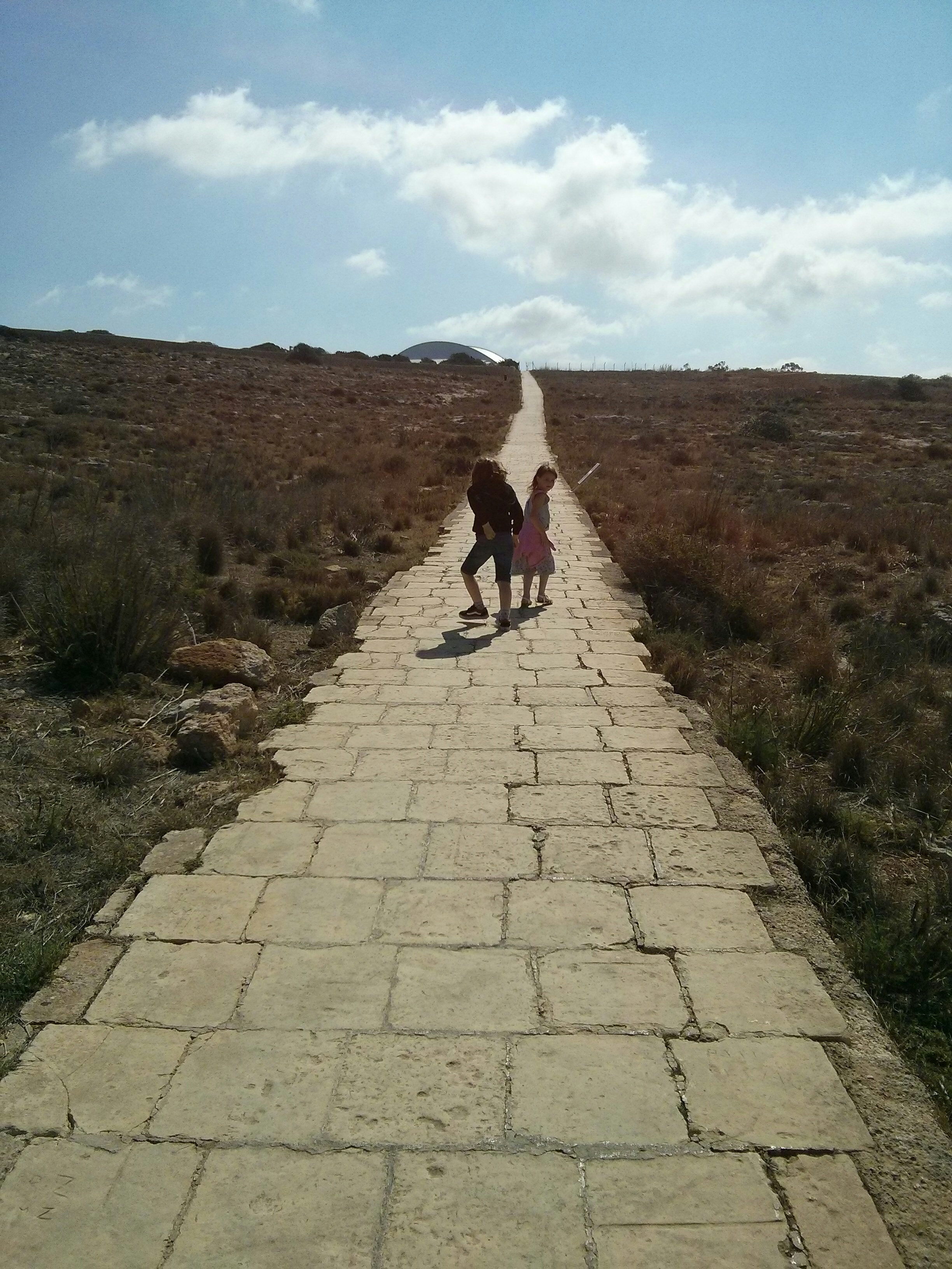 steep path between hagar qim and mnajdra temples
