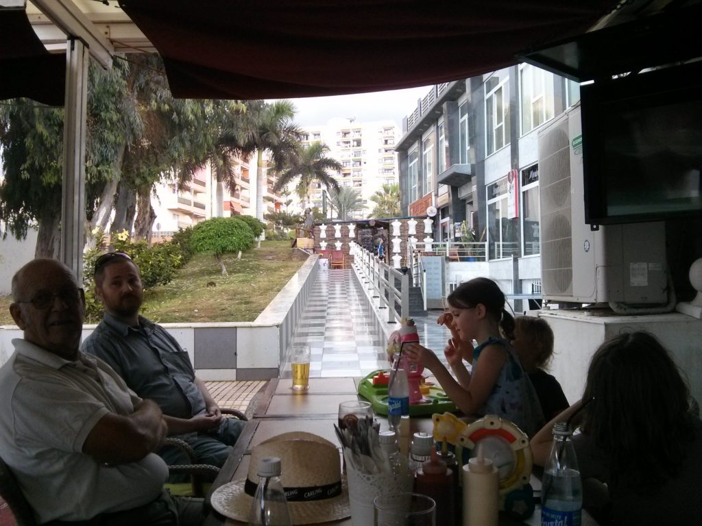los-cristianos-sports-bar-lunch